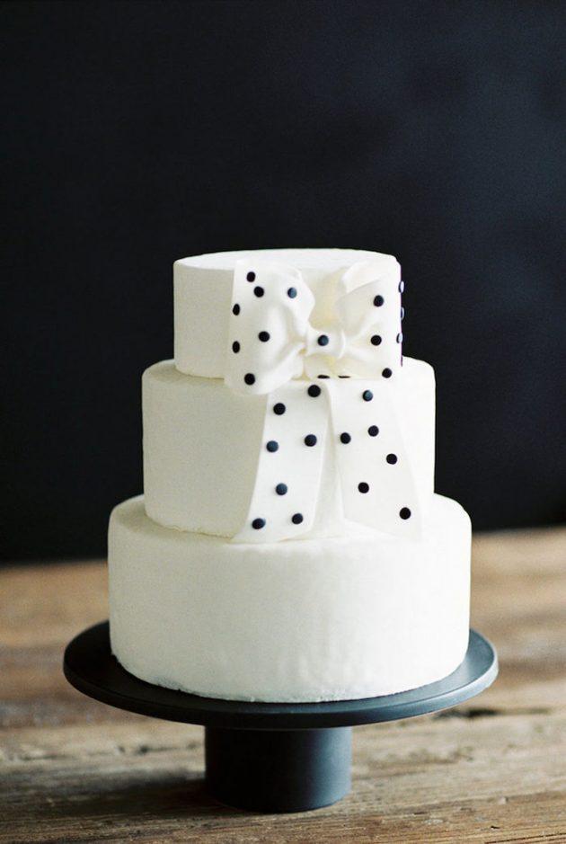 black-white-industrial-feminine-elegant-classic-wedding-inspiration12