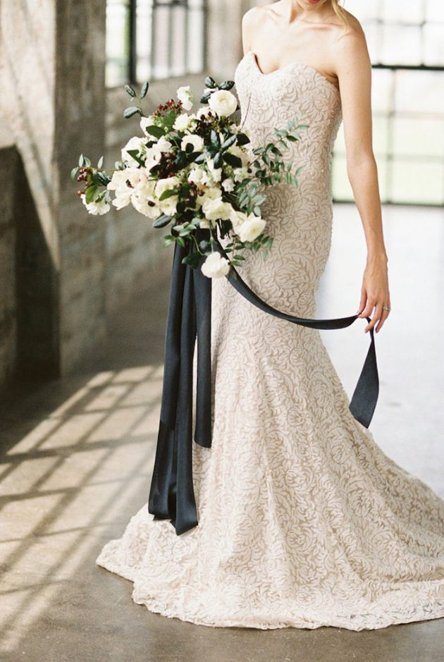 black-white-industrial-feminine-elegant-classic-wedding-inspiration18