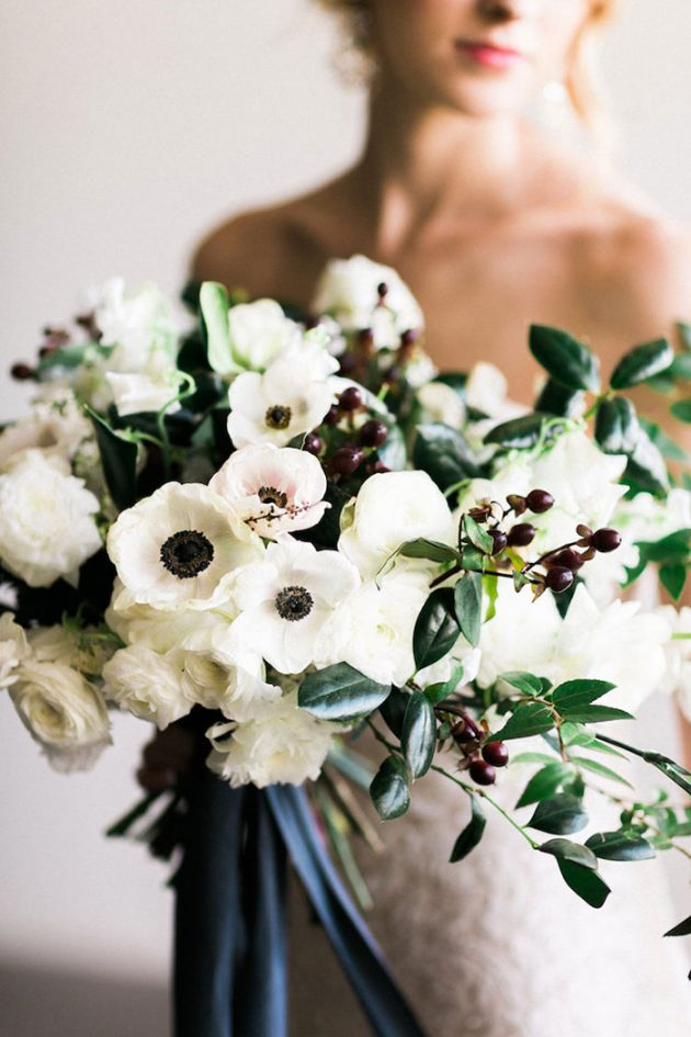 black-white-industrial-feminine-elegant-classic-wedding-inspiration23