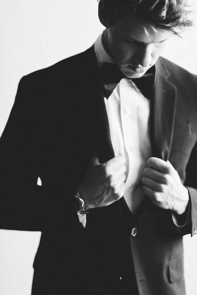 black-white-industrial-feminine-elegant-classic-wedding-inspiration25