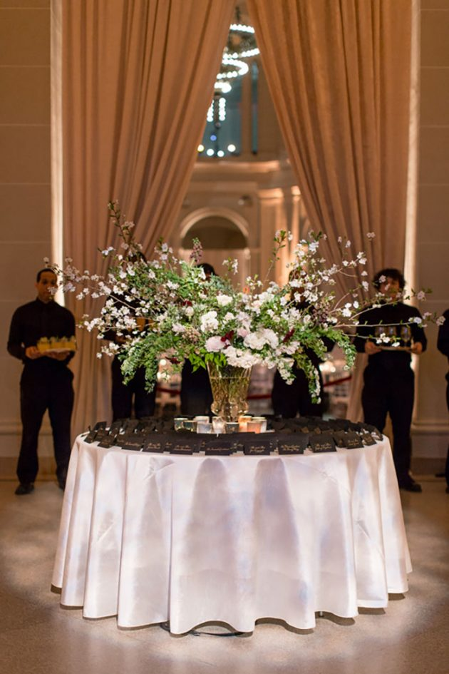 brooklyn-museum-glam-floral-modern-art-wedding-inpsiration41