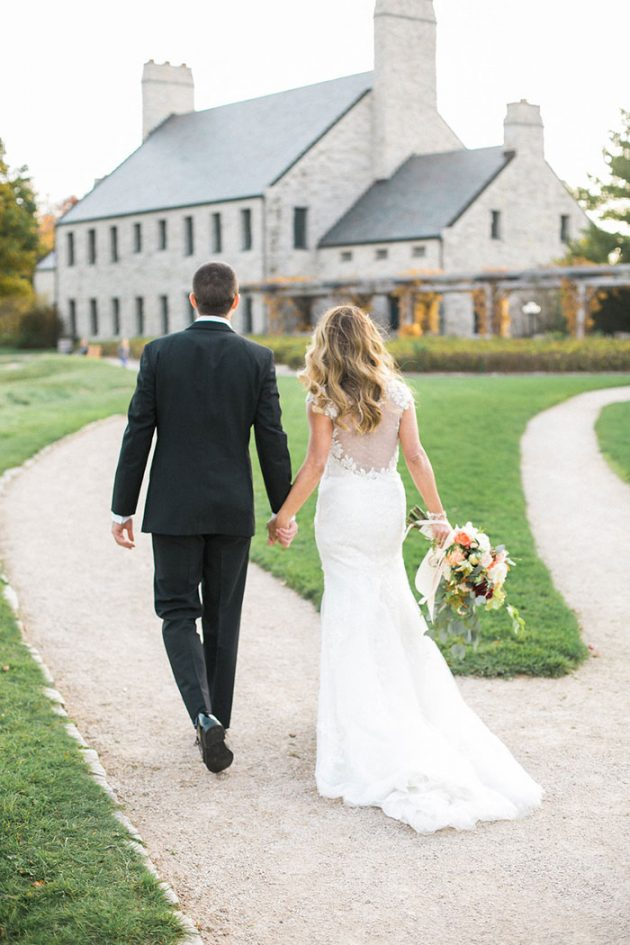 colorful-irish-barn-whistling-staights-wedding-inspiration41