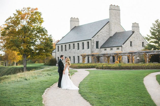 colorful-irish-barn-whistling-staights-wedding-inspiration42