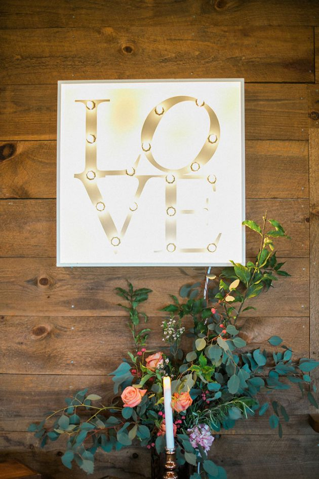 colorful-irish-barn-whistling-staights-wedding-inspiration46