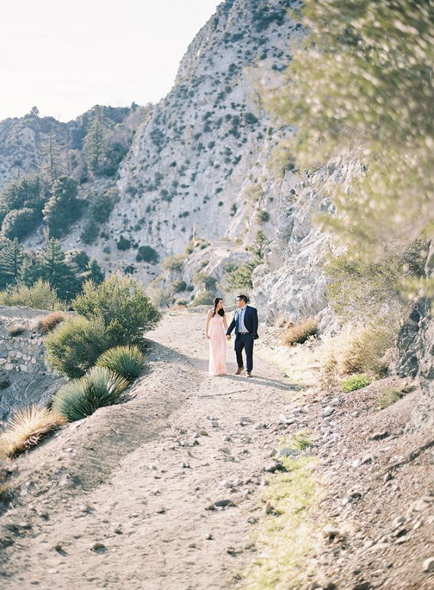 desert-engagement-session-light-pink19