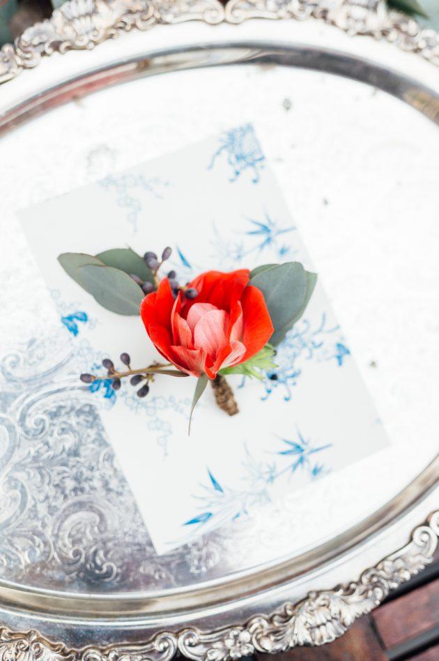 lush-blue-white-inspiration-shoot-elegant-garden-wedding03