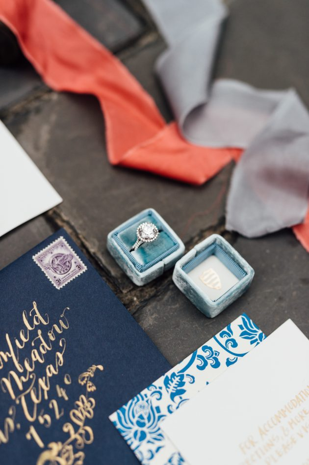 lush-blue-white-inspiration-shoot-elegant-garden-wedding04