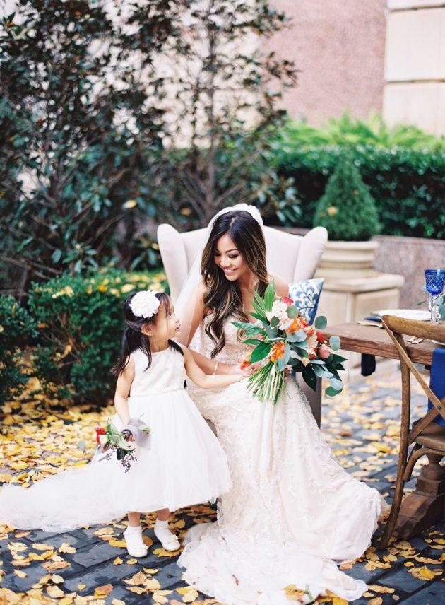 lush-blue-white-inspiration-shoot-elegant-garden-wedding13