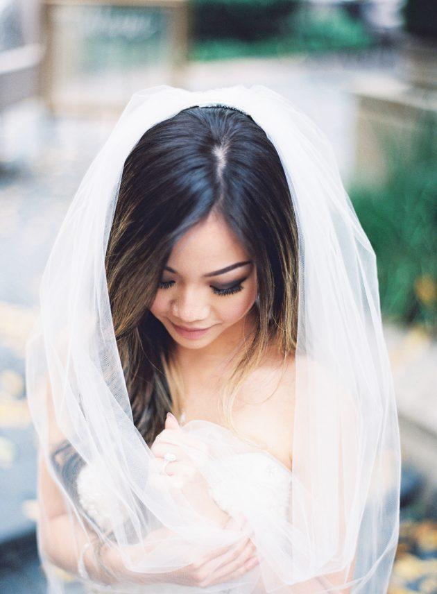 lush-blue-white-inspiration-shoot-elegant-garden-wedding15