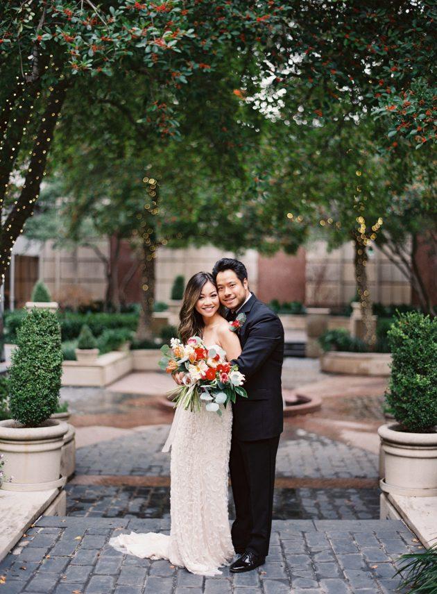 lush-blue-white-inspiration-shoot-elegant-garden-wedding19