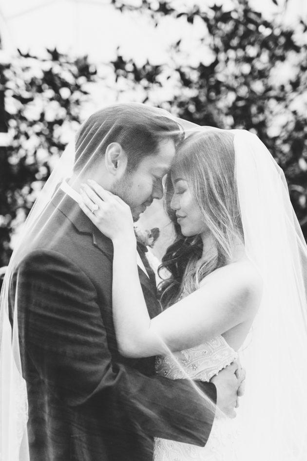 lush-blue-white-inspiration-shoot-elegant-garden-wedding39