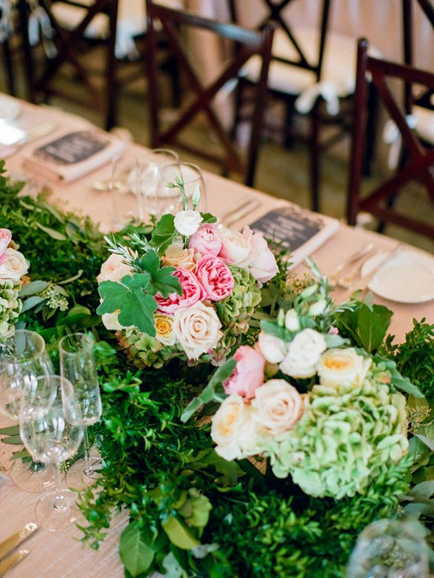 palmetto-bluff-lowcountry-wedding-classic-spring-flowers-southern-inspiration35