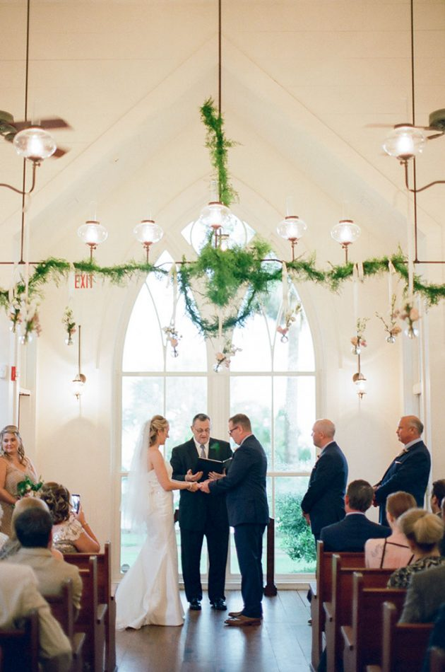 palmetto-bluff-lowcountry-wedding-classic-spring-flowers-southern-inspiration47