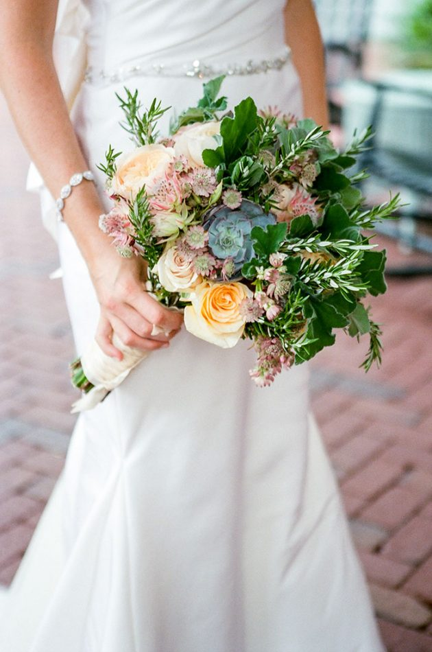 palmetto-bluff-lowcountry-wedding-classic-spring-flowers-southern-inspiration48