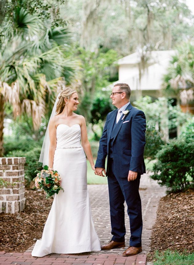 palmetto-bluff-lowcountry-wedding-classic-spring-flowers-southern-inspiration51