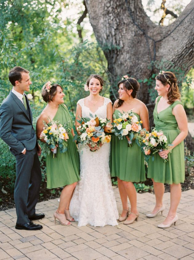 camp-lucy-sacred-oaks-rustic-floral-wedding-inspiration19