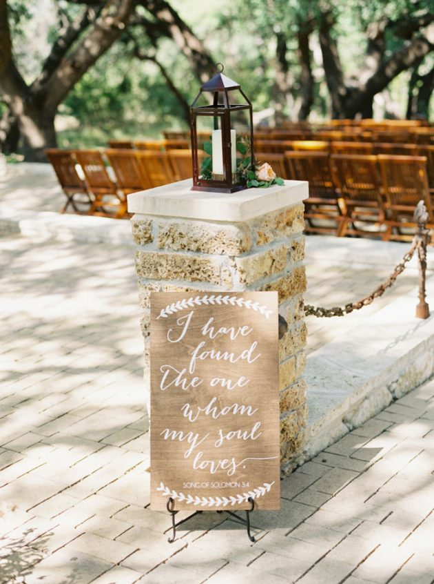 camp-lucy-sacred-oaks-rustic-floral-wedding-inspiration29