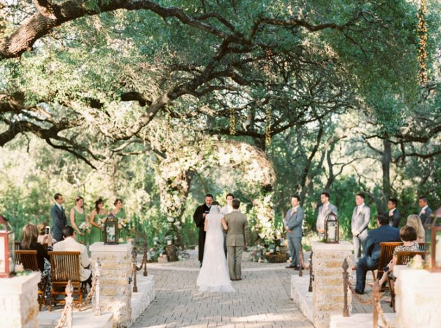 camp-lucy-sacred-oaks-rustic-floral-wedding-inspiration42