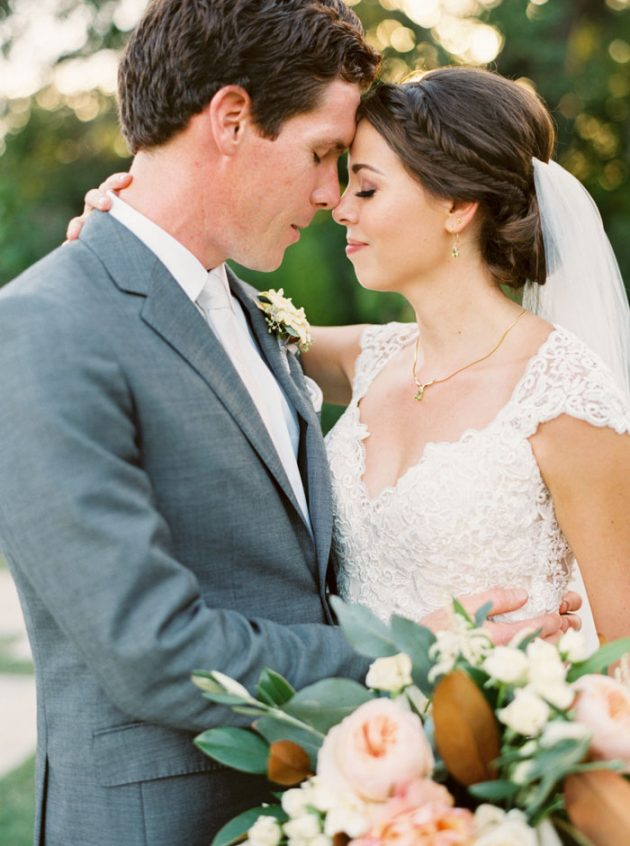 camp-lucy-sacred-oaks-rustic-floral-wedding-inspiration56
