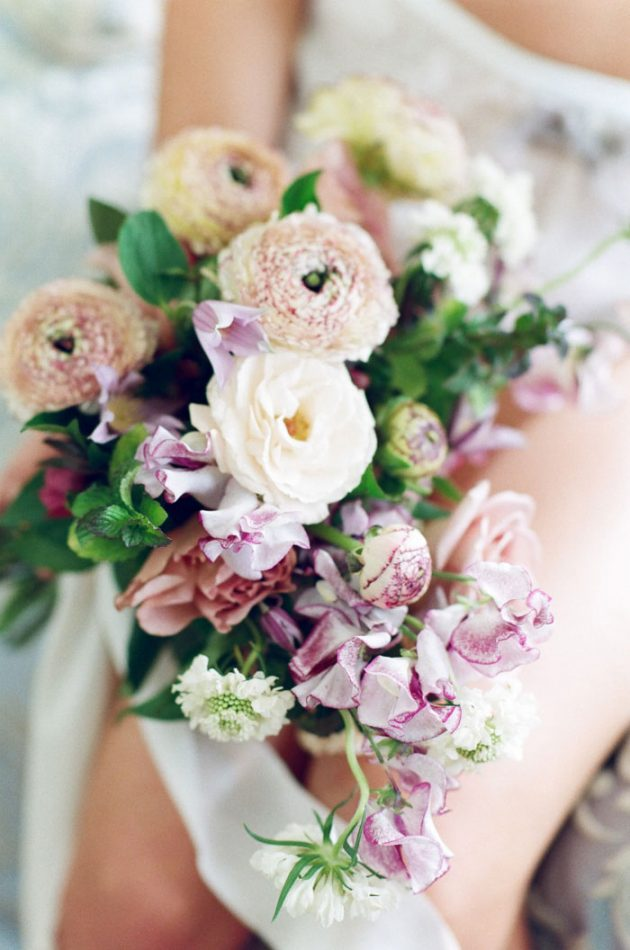 european-boudoir-inspiration-wedding-shoot-lavender-roses22