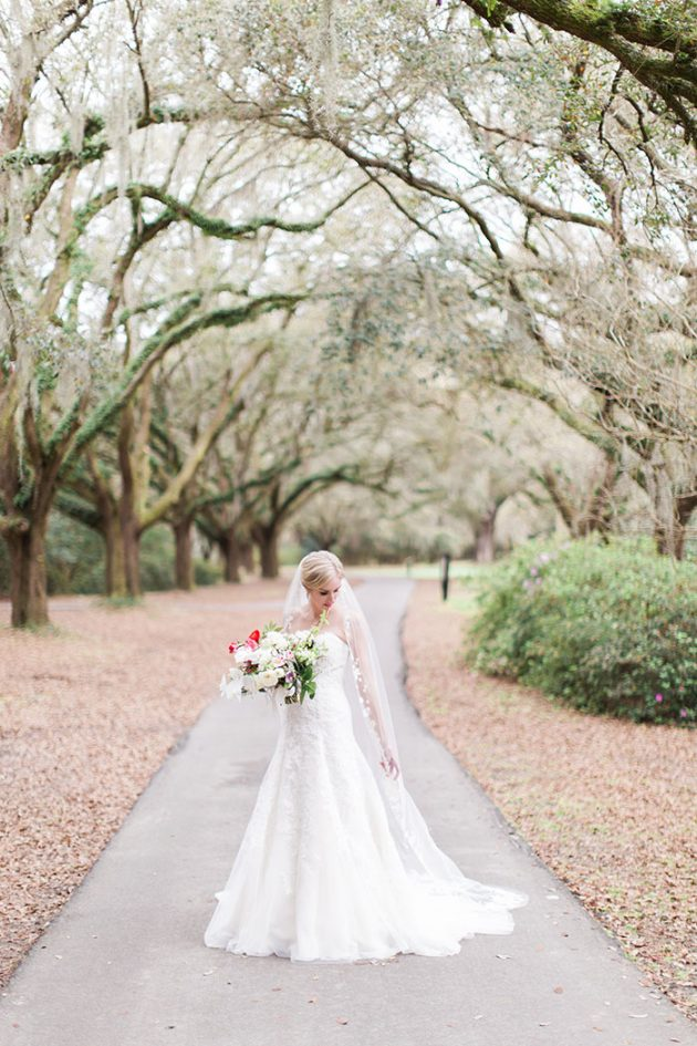 low-country-outdoor-wedding-charleston-spring-floral21