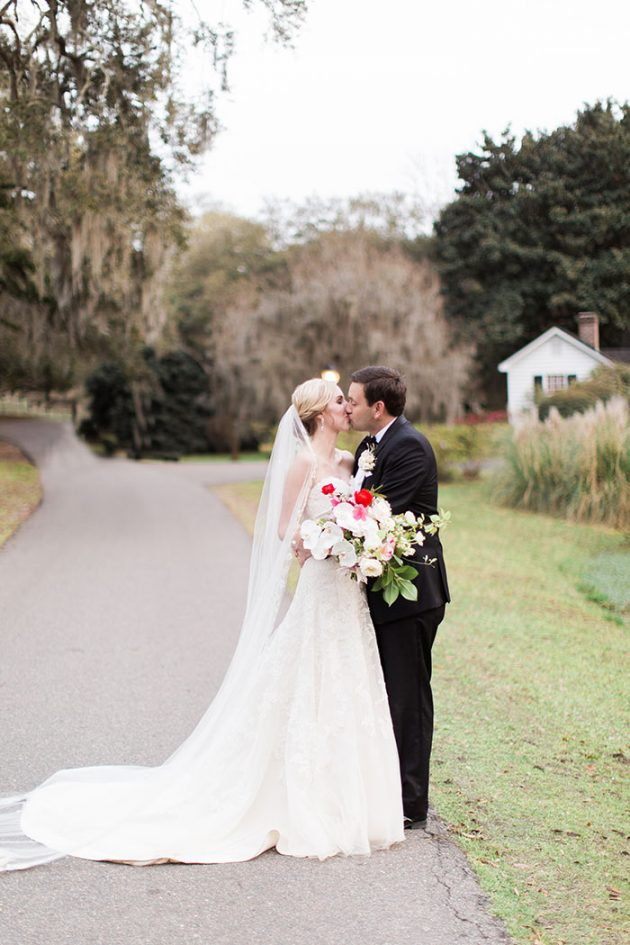 low-country-outdoor-wedding-charleston-spring-floral40