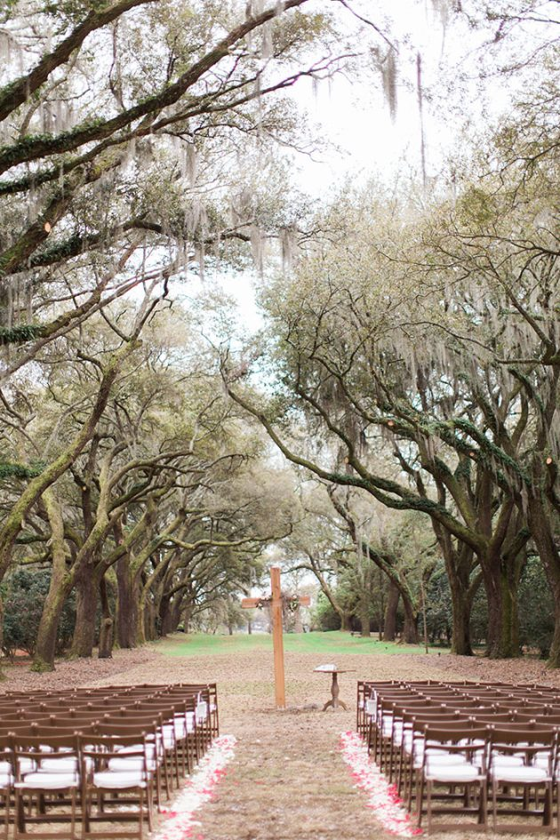 low-country-outdoor-wedding-charleston-spring-floral43