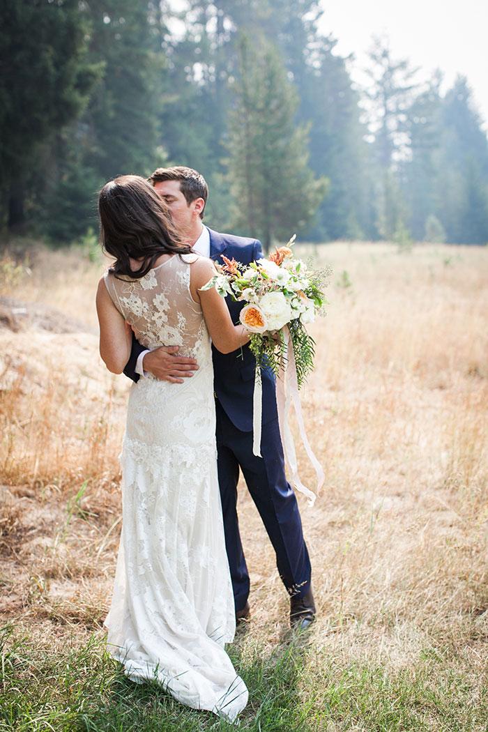 pine-river-ranch-washington-rustic-forest-blue-wedding-inspiration33