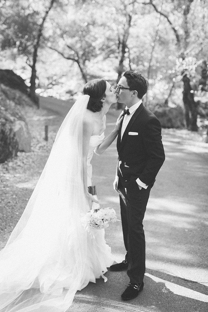 Auberge-du-Soleil-classic-napa-wedding-inspiration09