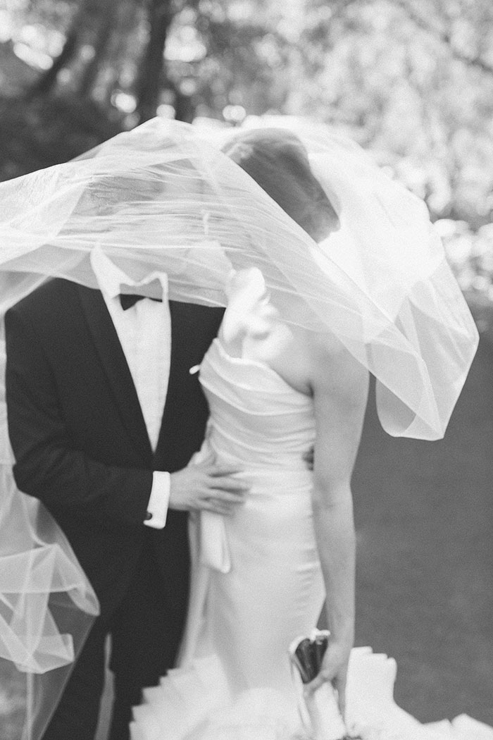 Auberge-du-Soleil-classic-napa-wedding-inspiration12