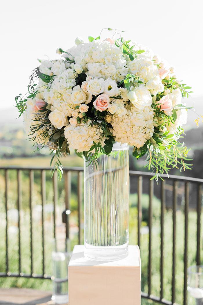 Auberge-du-Soleil-classic-napa-wedding-inspiration19