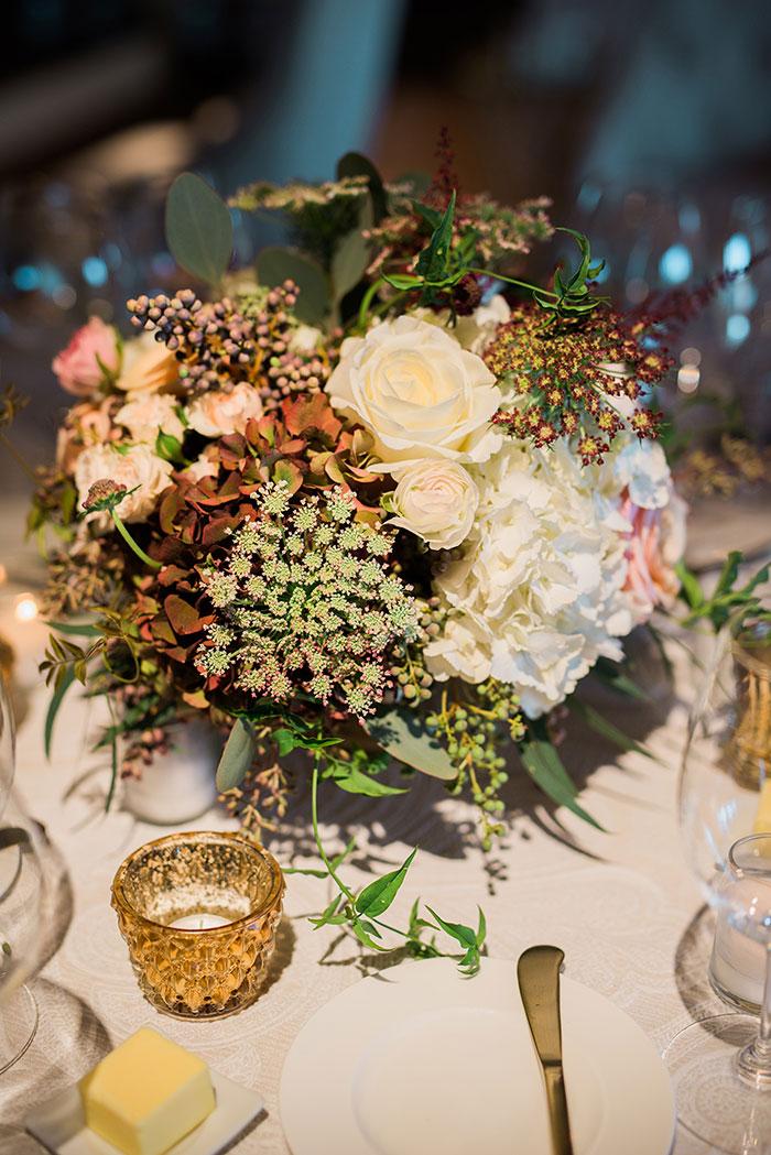 Auberge-du-Soleil-classic-napa-wedding-inspiration36
