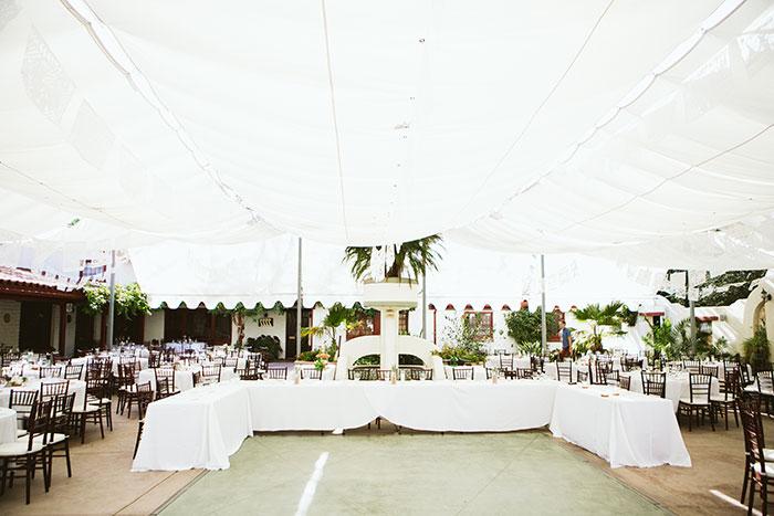 fallbrook-hacienda-boho-romantic-wedding-vintage-car-inspiration02