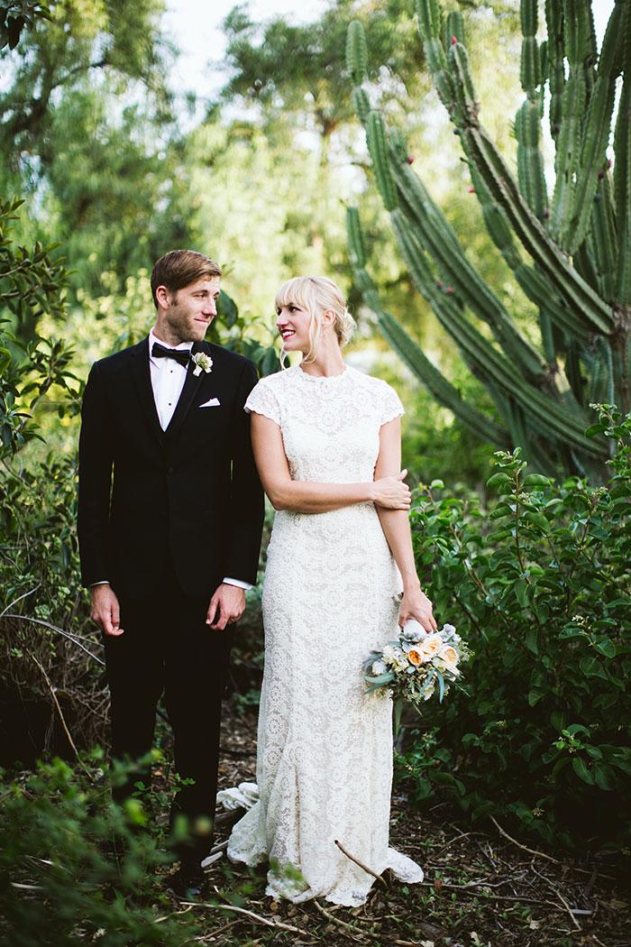fallbrook-hacienda-boho-romantic-wedding-vintage-car-inspiration09