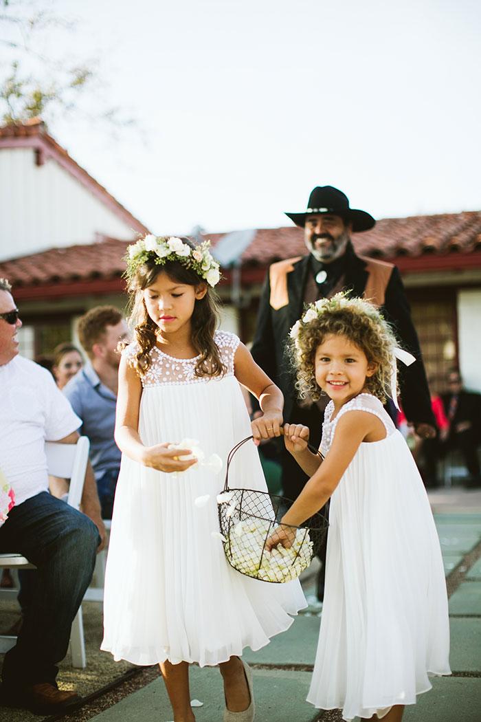 fallbrook-hacienda-boho-romantic-wedding-vintage-car-inspiration32