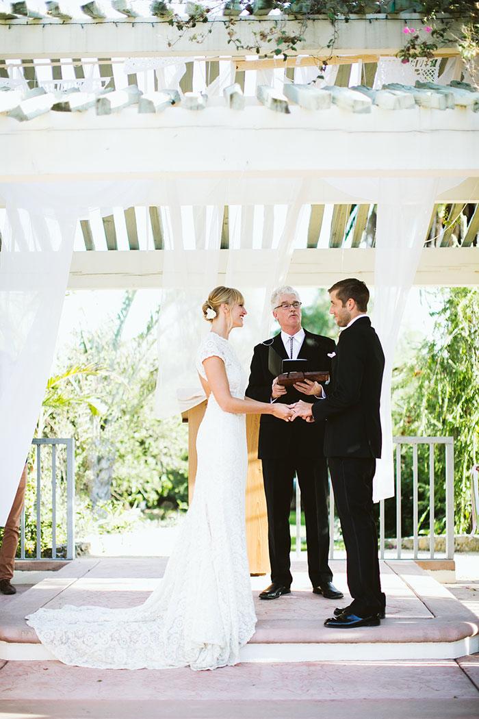 fallbrook-hacienda-boho-romantic-wedding-vintage-car-inspiration37