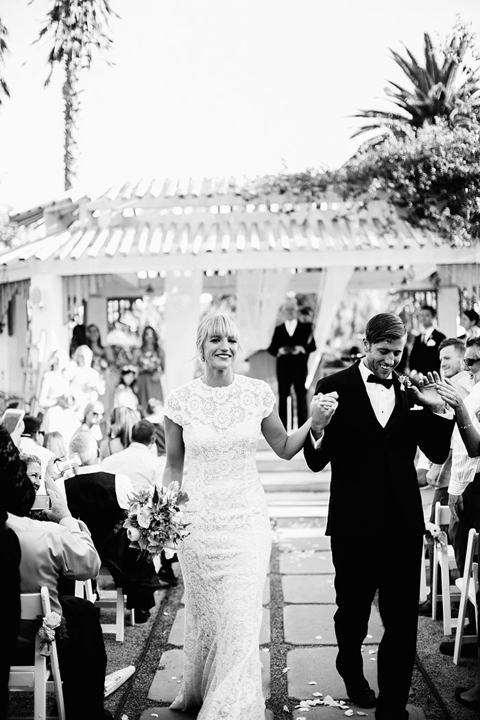 fallbrook-hacienda-boho-romantic-wedding-vintage-car-inspiration38
