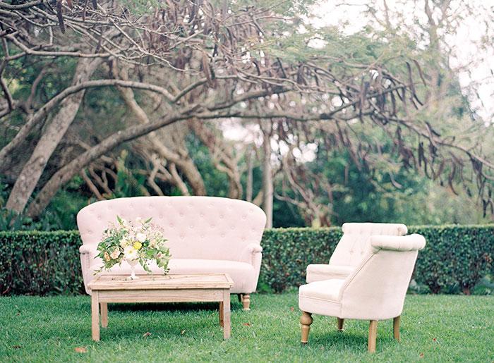 garden-ranunculus-peach-fresh-timeless-inspiration-shoot20