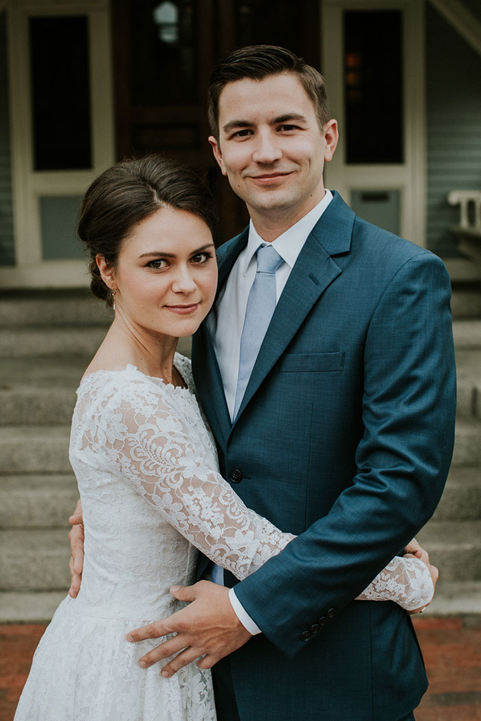new-hampshire-backyard-vintage-colorful-wedding-inspiration05
