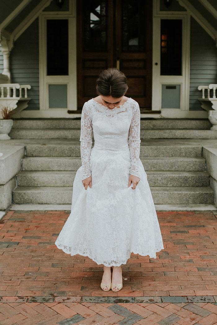 new-hampshire-backyard-vintage-colorful-wedding-inspiration06