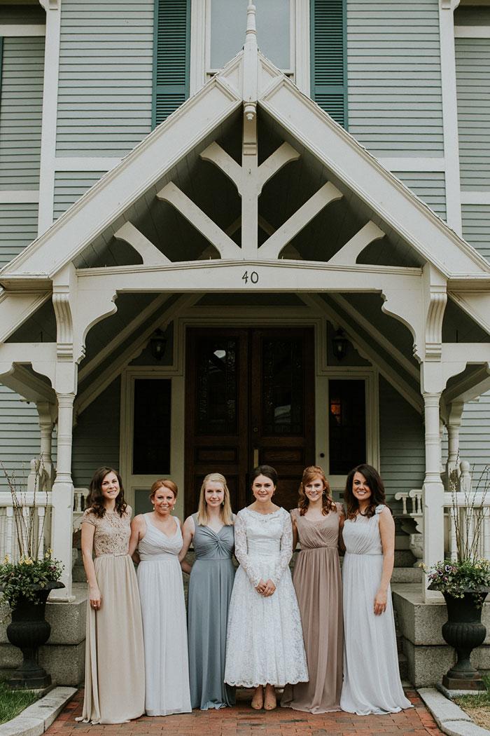 new-hampshire-backyard-vintage-colorful-wedding-inspiration08