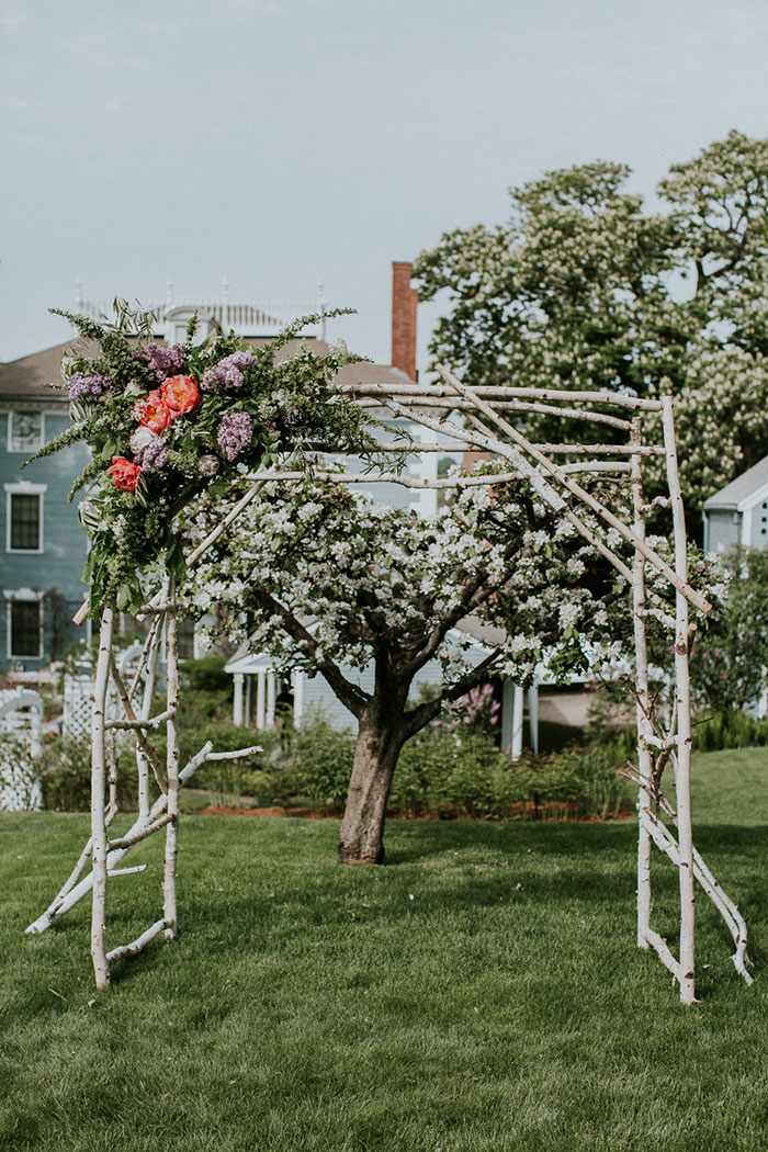 new-hampshire-backyard-vintage-colorful-wedding-inspiration28
