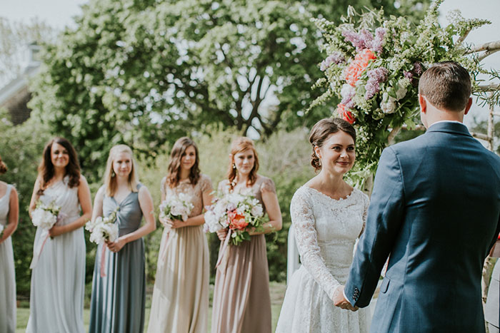 new-hampshire-backyard-vintage-colorful-wedding-inspiration31