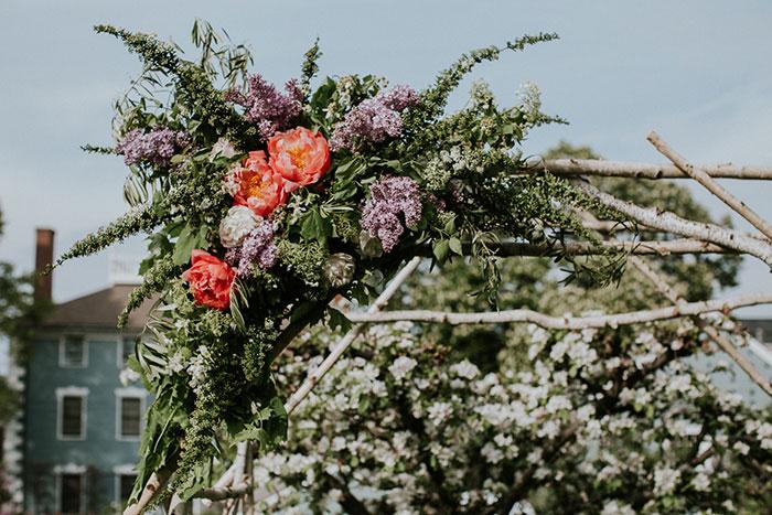 new-hampshire-backyard-vintage-colorful-wedding-inspiration39