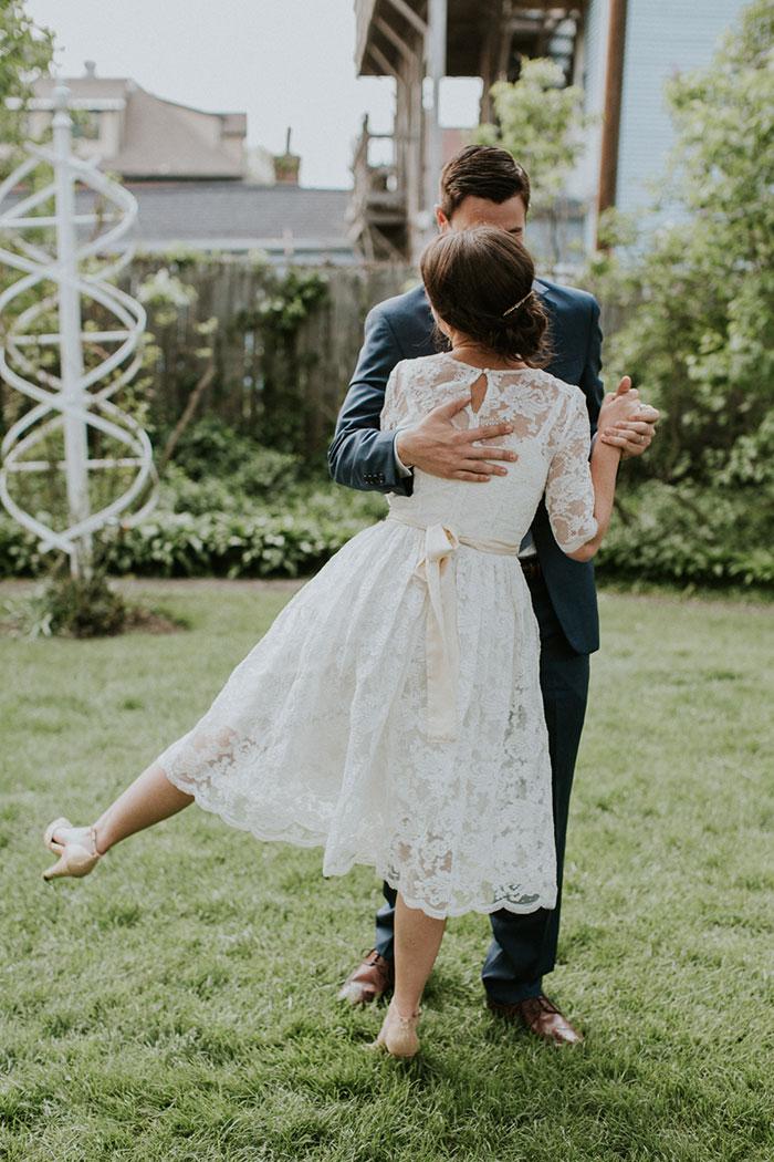 new-hampshire-backyard-vintage-colorful-wedding-inspiration50