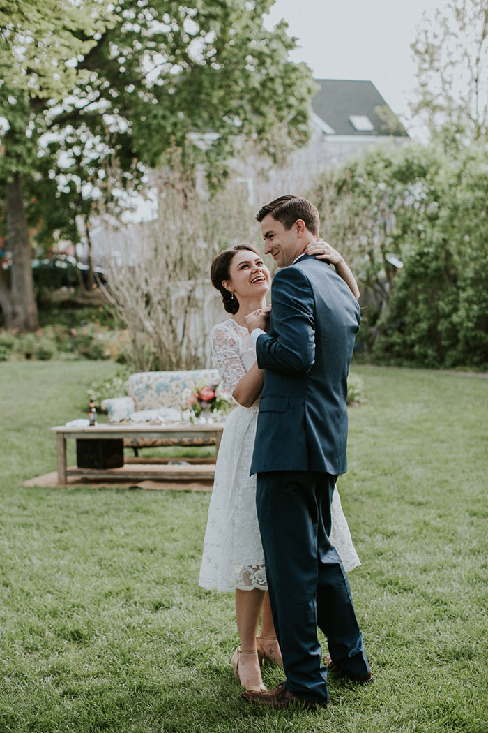 new-hampshire-backyard-vintage-colorful-wedding-inspiration51