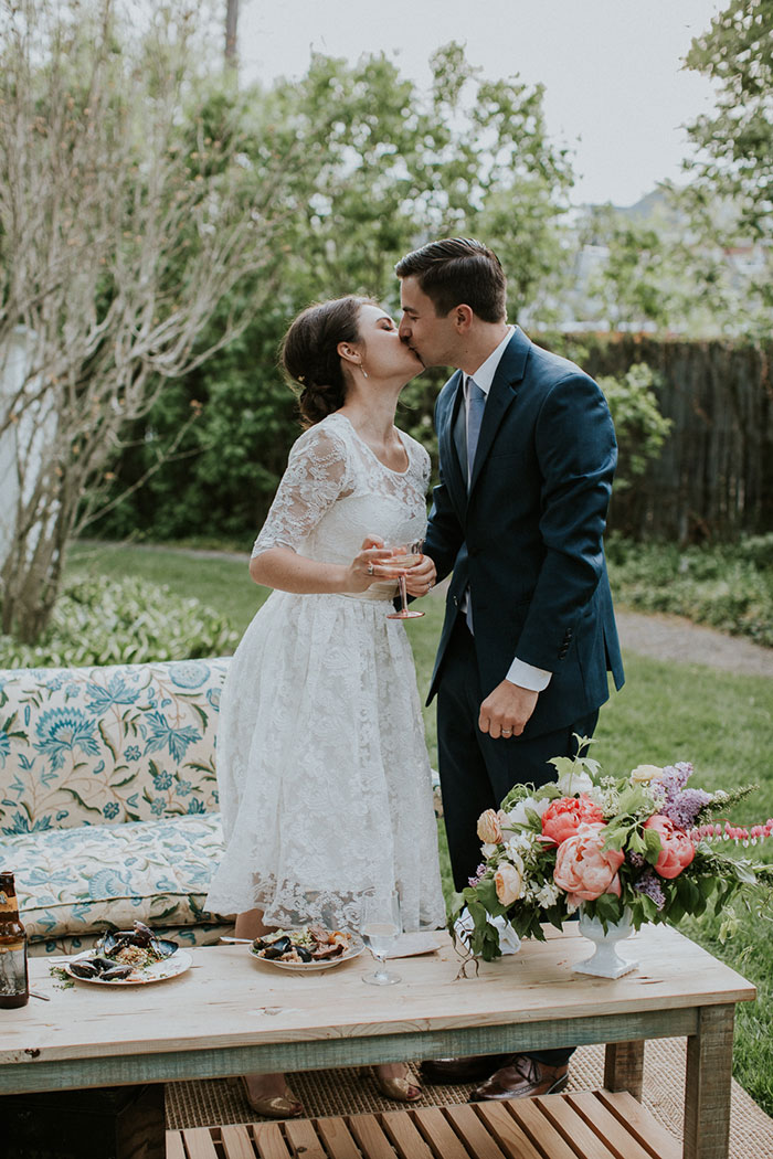 new-hampshire-backyard-vintage-colorful-wedding-inspiration52
