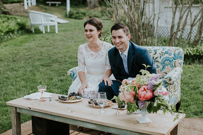 new-hampshire-backyard-vintage-colorful-wedding-inspiration54