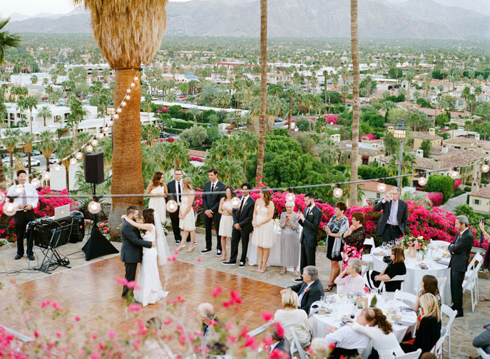 odonnell-house-palm-springs-pink-wedding-inspiration31