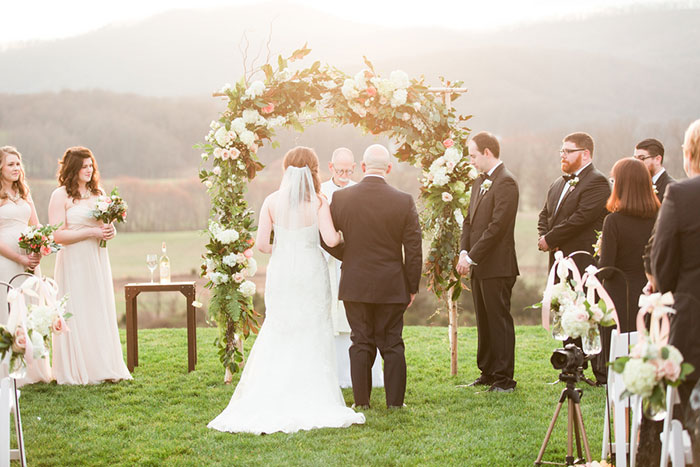 pippin-hill-farm-and-vineyards-virginia-rustic-elegant-wedding-inspiration03